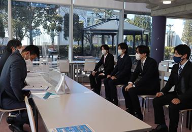 講義を受講する学生